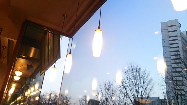窓際のライト