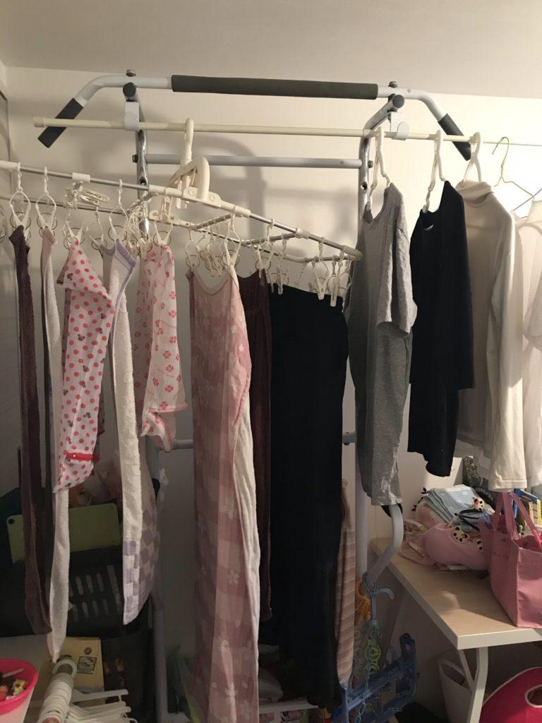 洗濯物干し状態の懸垂器具1