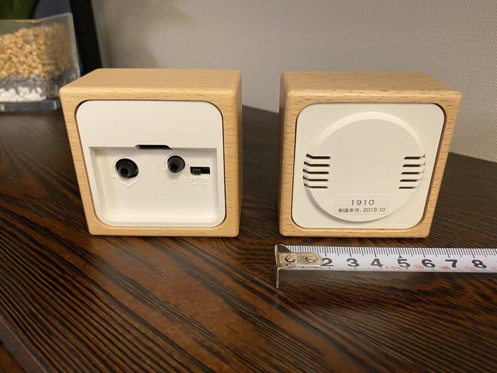 置き時計と湿度温度計 背面 画像