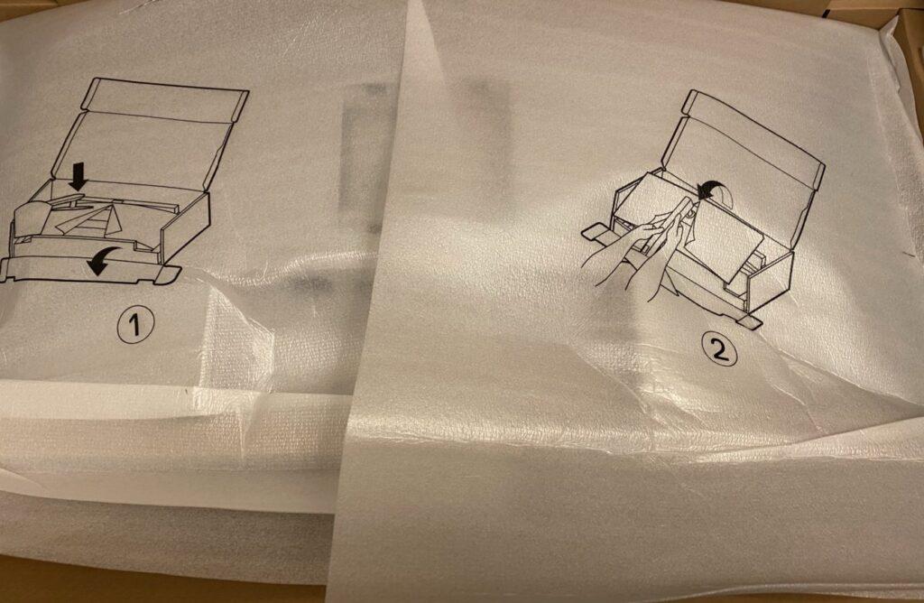 本体を箱から取り出す前 画像