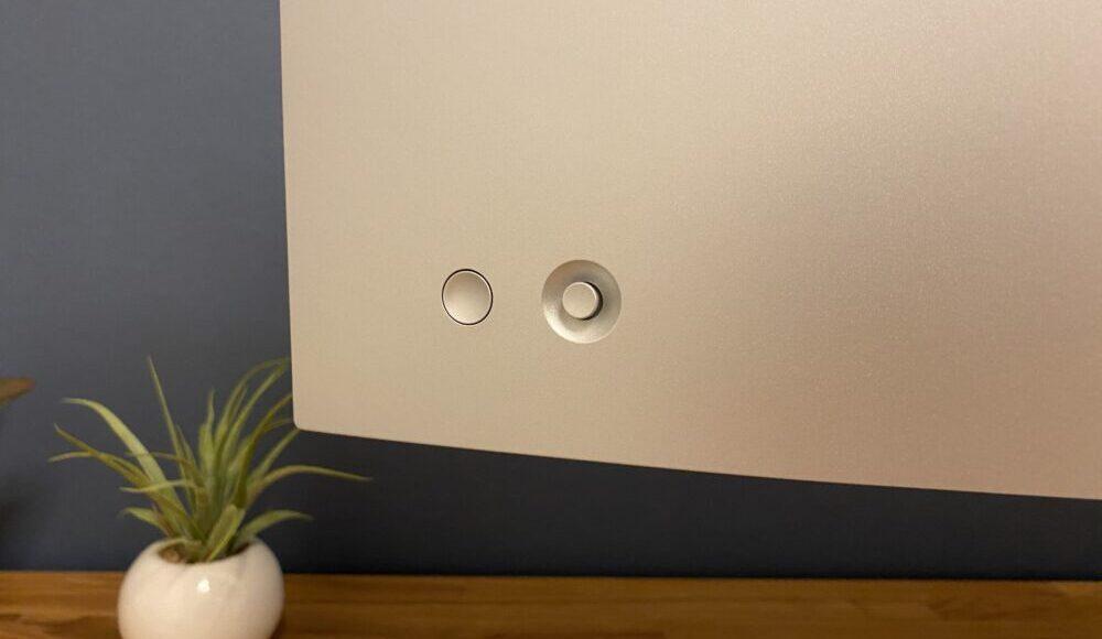 電源ボタンとジョイスティック 画像
